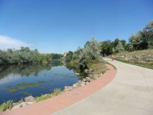 Lake along the South Boulder Creek Trail.